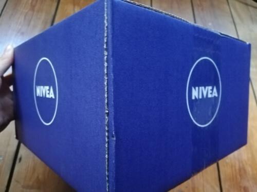 ニベアの箱